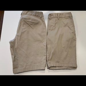 "Gap size 4 9"" Bermuda shorts 2 pair"